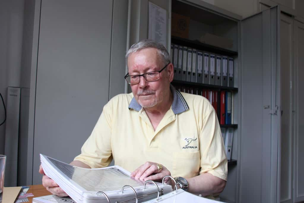 Seit Jahrzehnten sammelt Rudolf Lotze alles, was er über Limmer finden kann.