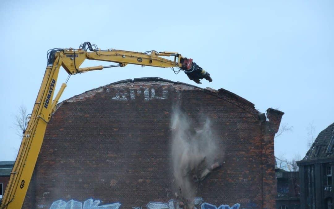 Der Abriss der alten Conti-Ruine beginnt