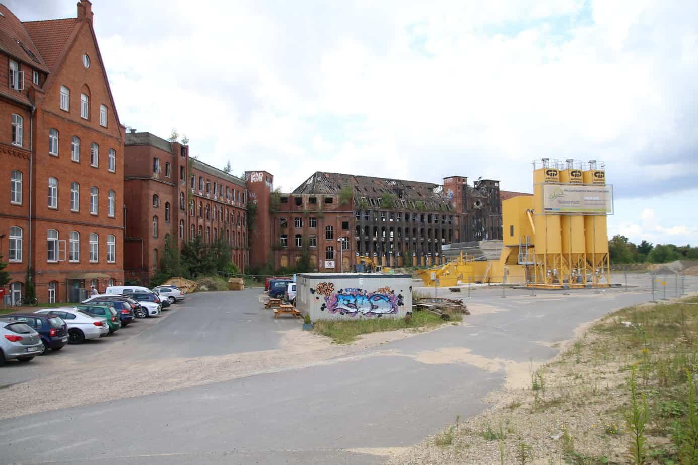 Wasserstadt: Die Conti-Altgebäude 44 und 51 dürfen nicht abgerissen werden.